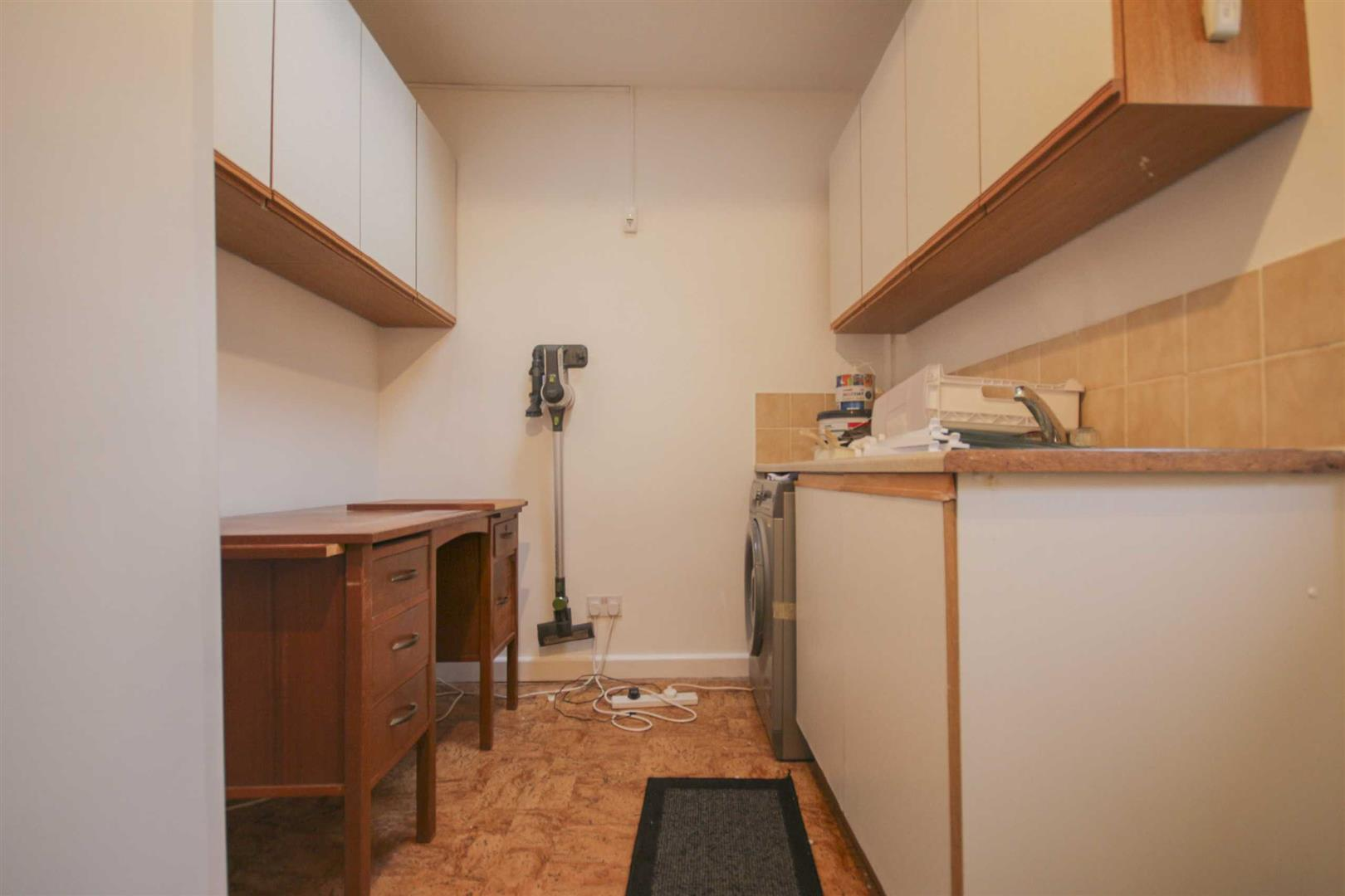 3 Bedroom Barn Conversion For Sale - Image 19